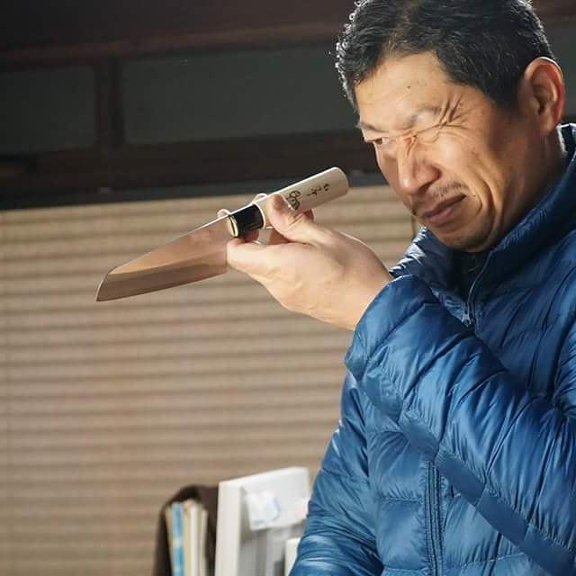 未来の匠Hyogoの刃を担当してくれているのはお二人の職人。お一人は三寿々刃物製作所の宮脇大和氏です。