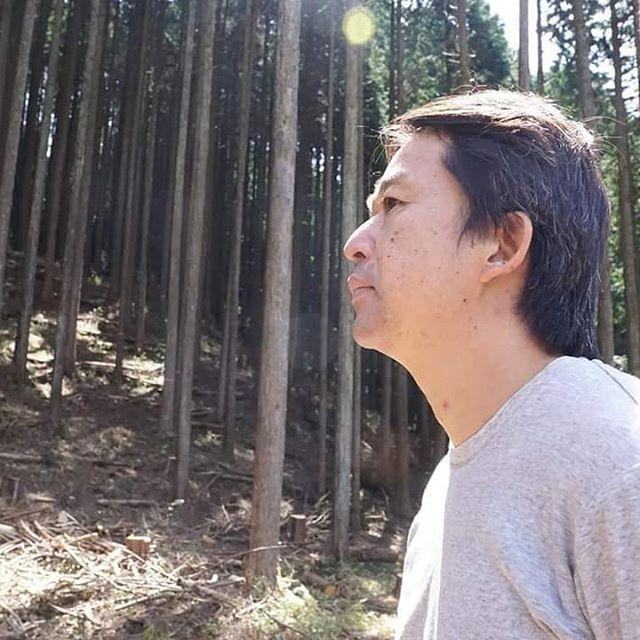 未来の匠Hyogoの木箱は神戸六甲山の間伐材で作られています。作成者は木材クリエイターの山崎正夫氏です。単なる木箱ではなく、ちょっとした細工もしてあります。