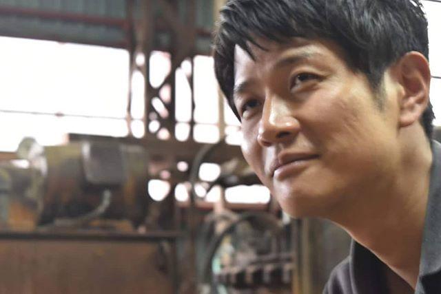 未来の匠Hyogo の木箱は六甲山の間伐材を使用しています。株)三栄の服部真俊氏の協力を得ています。