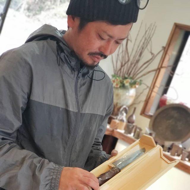 「未来の匠Hyogo」柄を作ってくださった大西雅文さんの丹文窯で展示しています。お近くにお越しの際には、大西雅文氏作、丹波焼きの感触を試しにきてください。未来の匠Hyogo のHPはプロフィールから。