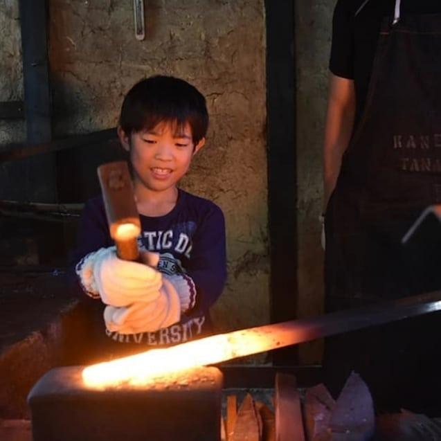 【春休み企画!鍛冶屋見学!】3/26(火)三木市の鍛冶屋さんに見学体験してみませんか?こんなことができるのは、とことこだけかもしれません!詳しくはプロフィールホームページで!
