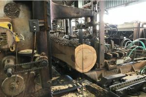 間伐材の加工